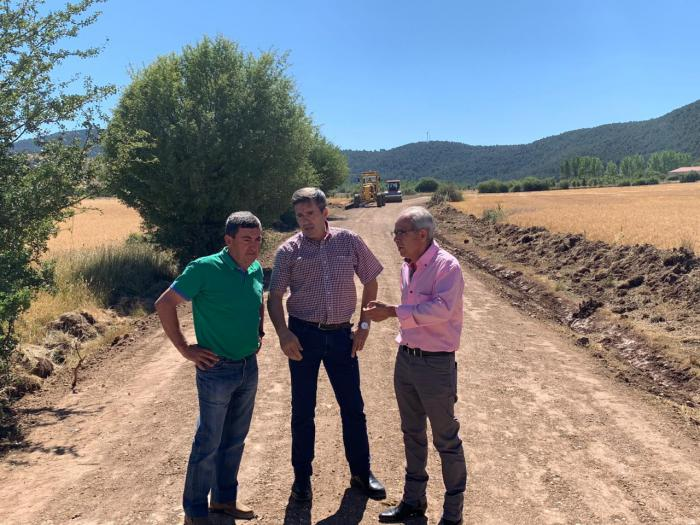Diputación y Junta continúan con la rehabilitación de los caminos en la Serranía Alta