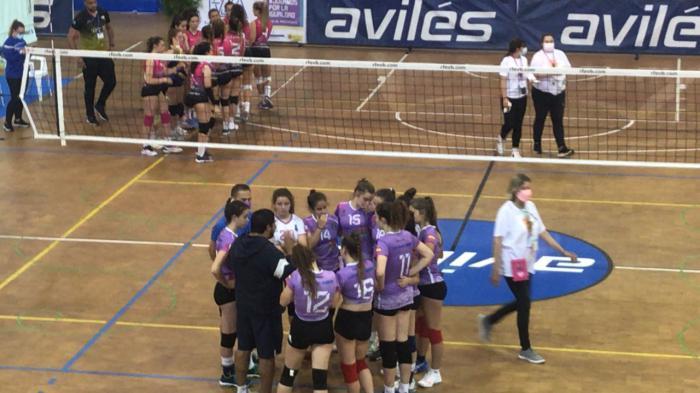 El Club Voleibol Iniesta queda en la posición 17 en el Campeonato de España de cadetes y primeras del grupo 2