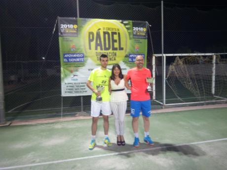 El Torneo de Pádel Santa Teresa de Villanueva de la Jara afrontó su quinta edición con la participación de 23 parejas