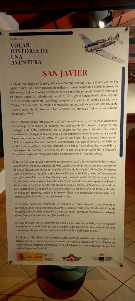 En San Javier, la exposición del Ejército del Aire con guion de las Hermanas Lara
