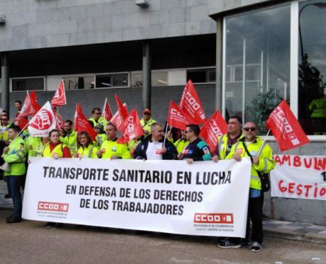 Continúan las movilizaciones de los trabajadores del sector de ambulancias de Cuenca