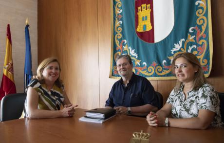 Rosa Ana Rodríguez mantiene un encuentro con la CONFAPA y la CONCAPA para presentarse y estrechar lazos