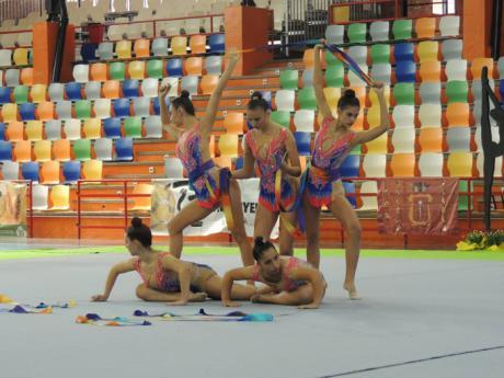 Espectáculo y colorido en EL Sargal en la III Edición del Torneo de Conjuntos CD Húecar