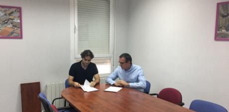 El Club de Baloncesto y el Ayuntamiento de Mota renuevan su convenio de colaboración