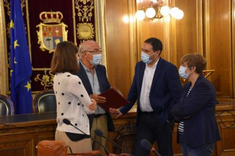 La Diputación aumenta en un 11% el convenio de colaboración anual con Cáritas hasta los 30.000 euros