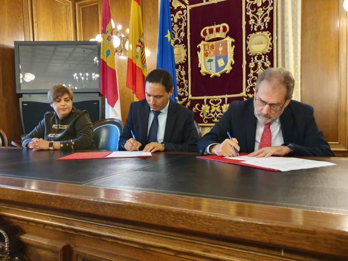 Diputación renueva su convenio con Cáritas Diocesana por valor de 27.000 euros