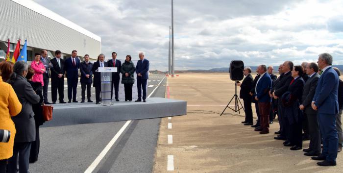 CRIA firma un acuerdo con la empresa norteamericana Skydweller, que fabricará aeronaves con tecnología puntera en el Aeropuerto de Ciudad Real