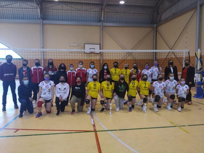 El Club Voleibol Iniesta gana el campeonato provincial de Deporte en Edad Escolar