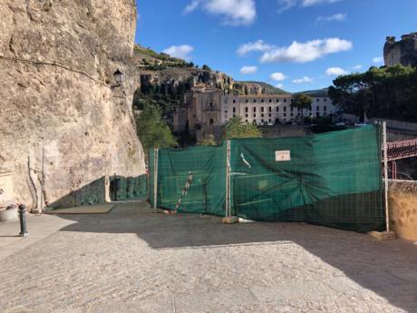 Se abrirá parcialmente la calle Canónigos para facilitar el tránsito peatonal entre las Casas Colgadas y el Puente de San Pablo