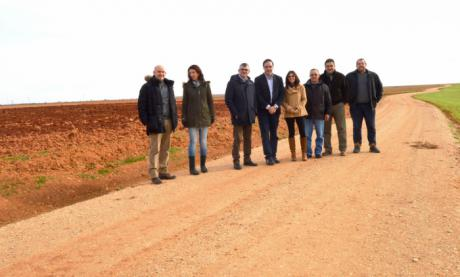 Diputación de Cuenca y Junta arreglan cerca de 12,5 kilómetros en cinco caminos de Villanueva de la Jara, Villarta y Ledaña
