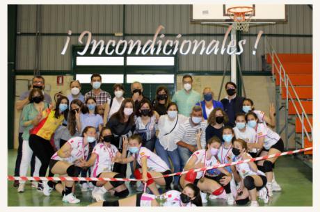 El Club Voleibol Iniesta gana el campeonato regional en categoría infantil