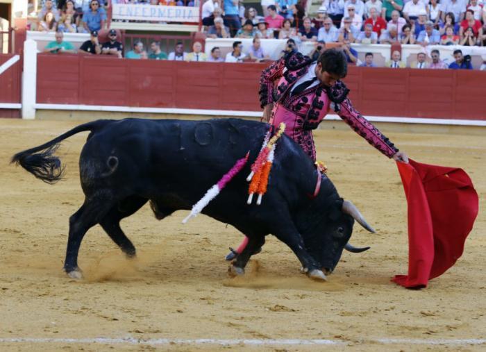 Cayetano se resiente de su lesión del costal y no podrá torear mañana en Cuenca