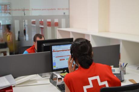 Cruz Roja llamará a 4.000 personas en la provincia para reforzar la difusión de las medidas preventivas y protección frente al COVID-19