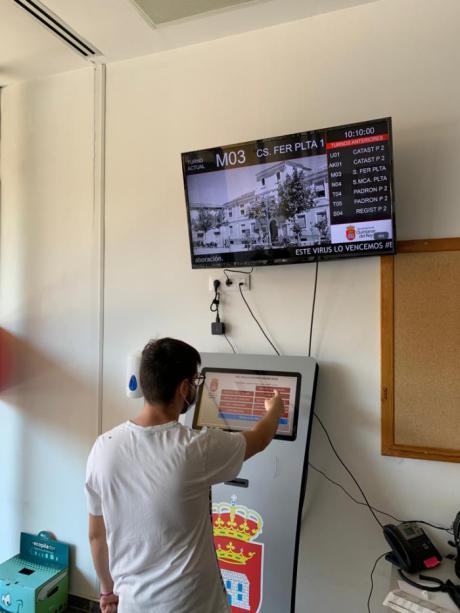 Quintanar del Rey implanta en su ayuntamiento un sistema novedoso en la comarca para solicitar cita previa
