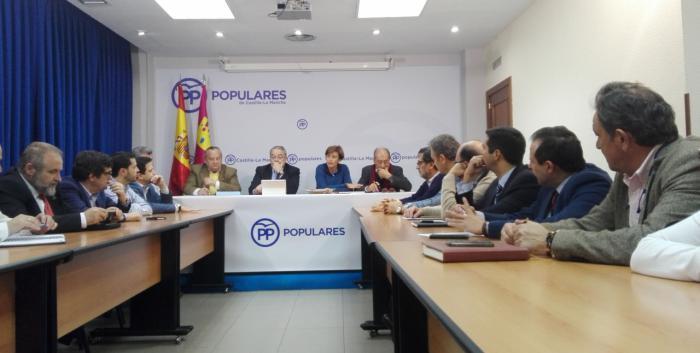El PP denuncia que los presupuestos de Page y Podemos suben los impuestos y hunden al sector del campo, la Sanidad y la Educación
