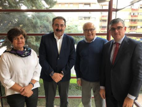 El consejero de Sanidad traslada el apoyo del Gobierno regional a la Fundación Leticia Castillejo de cara a la celebración de la XV Carrera Solidaria Contra el Cáncer