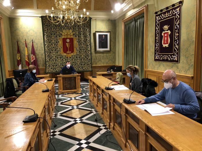 El Consejo Municipal de Igualdad elige como premiadas por el Día de la Mujer a Delia Millán, Luz María Cañas, Asun Flores y el equipo femenino del Club de Rugby A Palos