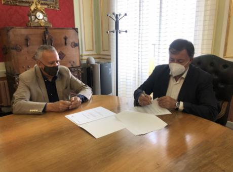 El Ayuntamiento renueva su convenio de colaboración con Renfe Viajeros