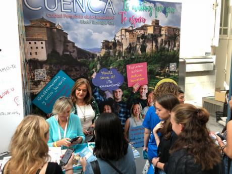 El stand del Ayuntamiento en el Student Welcome Day de Madrid recibe numerosas visitas y consultas