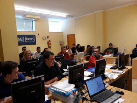 La Confederación de Empresarios forma en Iniesta y Casasimarro a empresarios sobre 'legalización de transporte'