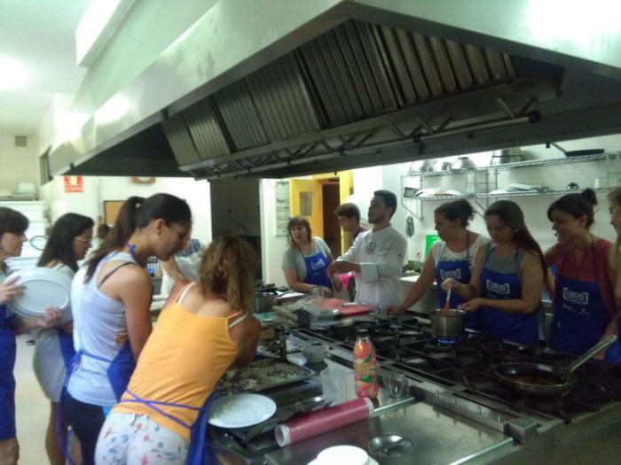 Concluye un curso de cocina creativa en la capital