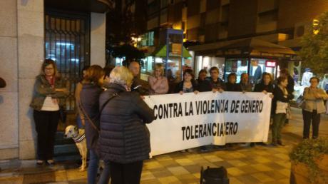 La concentración Contra la Violencia Machista recuerda a Marina Okarinska