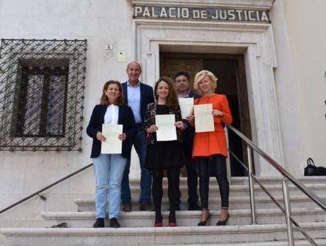 Gracia Canales y Luis Carlos Sahuquillo entre los primeros diputados en acreditarse en el Congreso tras las elecciones generales