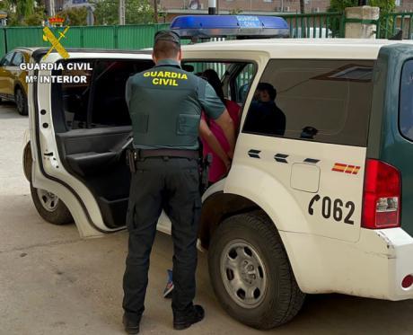 La Guardia Civil detiene a tres personas que estafaban a través de internet con falsas adopciones de gatos