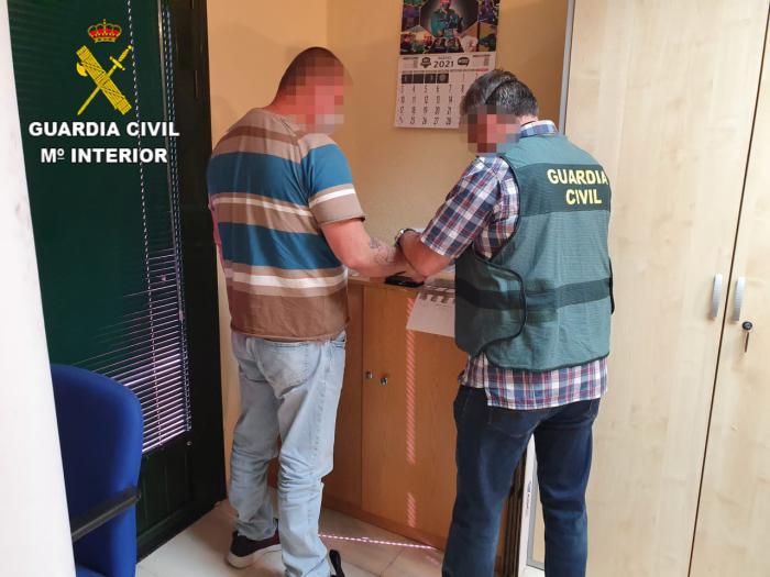La Guardia Civil detiene in fraganti a una persona por un robo con violencia en un estanco de Villaseca de la Sagra
