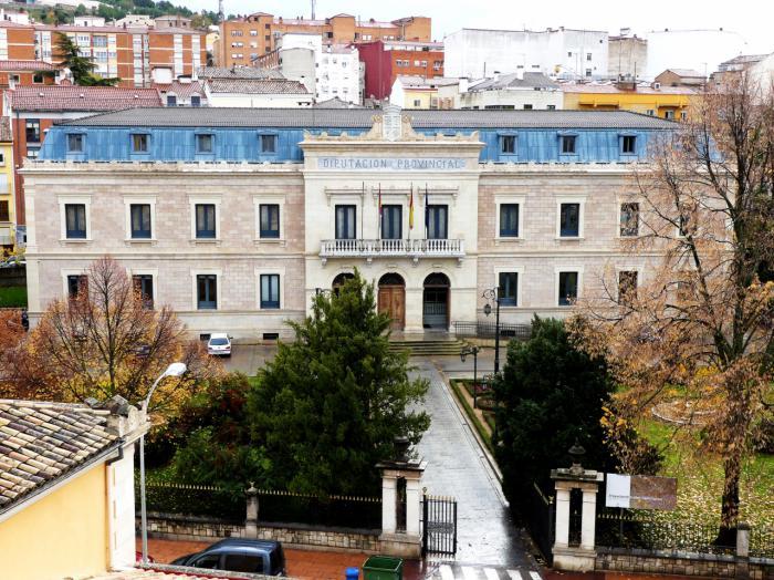 Diputación mantiene su respaldo a los Ayuntamientos en la promoción de la educación, la formación y la cultura