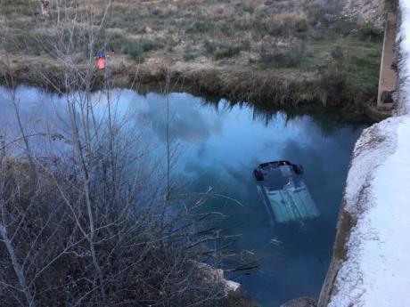 Un fallecido al precipitarse con su coche al río Cabriel en Enguídanos