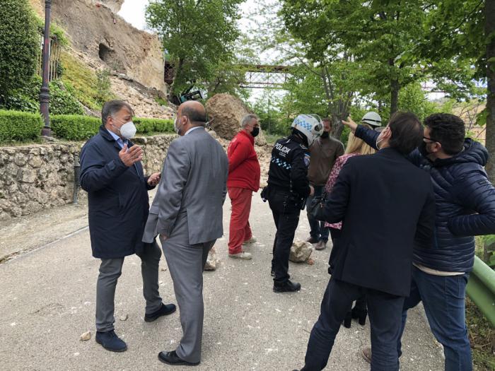 El alcalde convoca con urgencia a la Comisión Ejecutiva del Consorcio para abordar el hundimiento de parte de la calle Canónigos