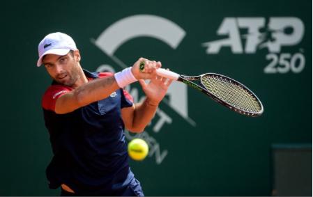El conquense Pablo Andújar gana a Federer en el regreso del tenista suizo a las pistas