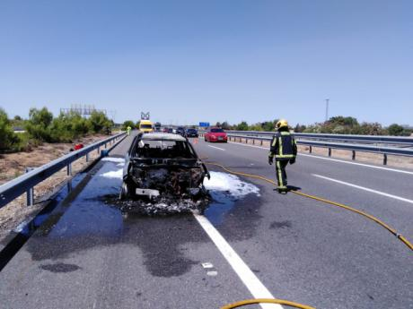 Un muerto y seis heridos al chocar un camión y dos turismos en la A-3 a su paso por Tébar