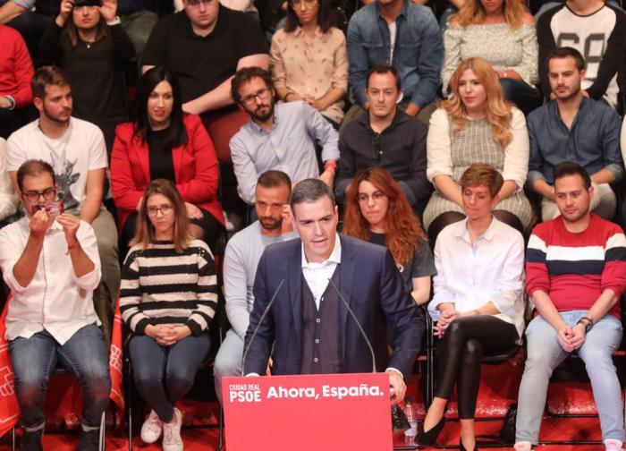 Pedro Sánchez apela a la movilización porque 'aún no hay votos en las urnas'