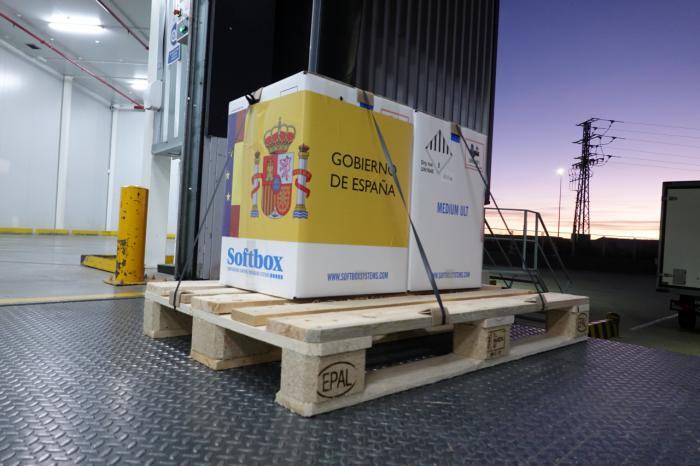 Llegan a España las primeras dosis de la vacuna contra la COVID-19