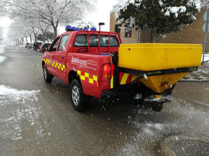 """""""Paciencia y precaución"""" ante la nevada en la capital"""