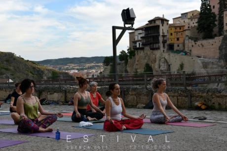 Estival vuelve a disfrutar del yoga en un espacio único