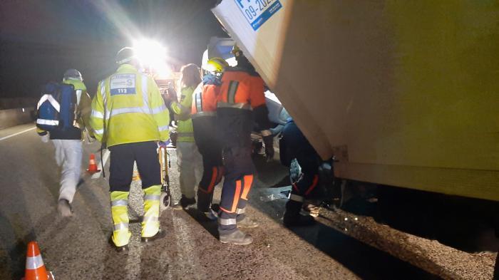 Herido un conductor de 44 años tras chocar contra un camión en el puerto de Cabrejas