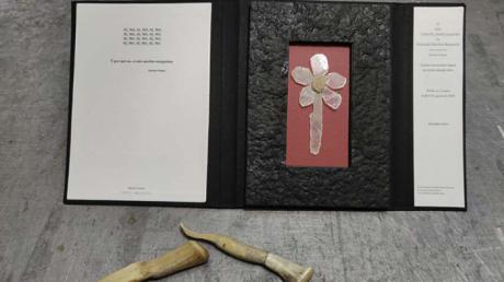 La UCLM recorre en su primera exposición tras el estado de alarma la historia de la fabricación del papel