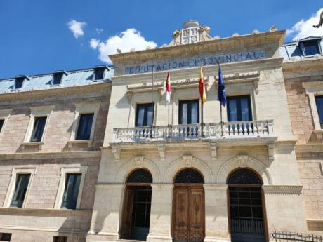 La Diputación convoca ayudas para que los ayuntamientos con menos población puedan contratar personal administrativo