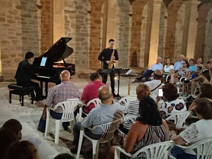 Aforo completo en el concierto de Jesús Reneses y Takahiro Mita en Huete