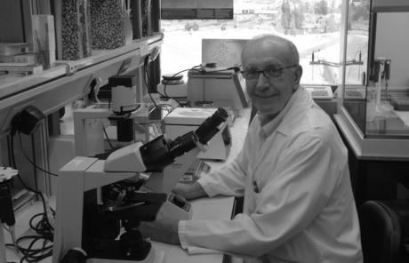 Charla en Almendros del Doctor Félix Bonilla, uno de los más relevantes oncólogos españolesp