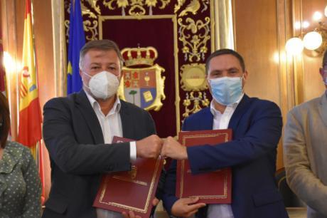Diputación y Ayuntamiento de Cuenca desbloquean el convenio de bomberos después de una década