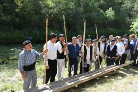 El oficio ganchero y el transporte fluvial de la madera declarado como Bien de Interés Cultural