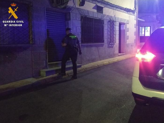 Desalojado un local de ocio nocturno que incumplía la normativa vigente por la crisis sanitaria
