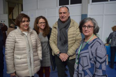 """López Carrizo destaca el esfuerzo de la Asociación Arco de la Malena por """"mantener vivo el encaje de bolillos"""""""