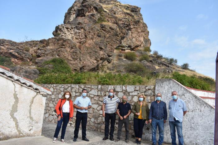 """Junta y Ayuntamiento de Huelamo acometerán obras de consolidación e iluminación en el castillo para que sea """"punto de atracción de turismo"""""""