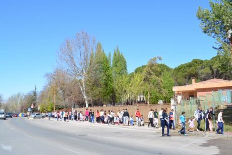 La directora provincial de Educación asiste a la actividad ´Castilla-La Mancha viaja a la luna´ en el colegio Fuente del Oro