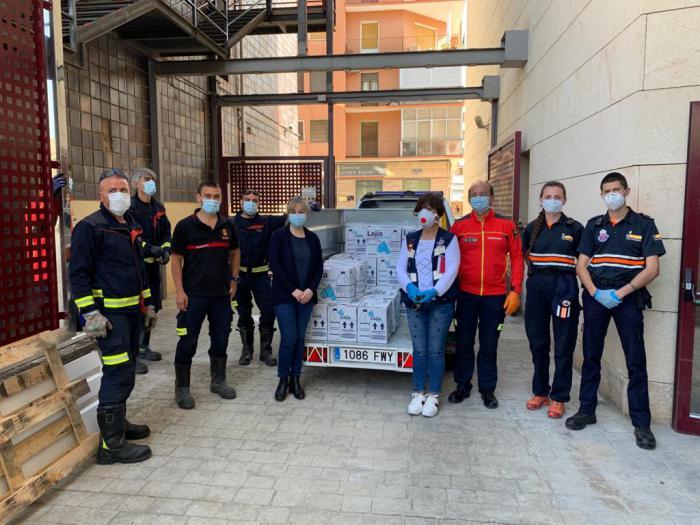 La Junta entrega al Ayuntamiento de la capital más de 550 litros de productos desinfectantes para residencias, edificios públicos o farmacias